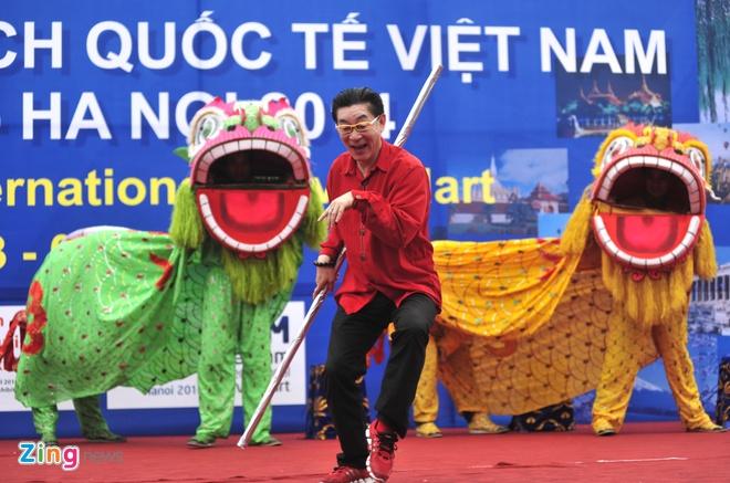 Luc Tieu Linh Dong mua vo trong ngay mua Ha Noi hinh anh 2