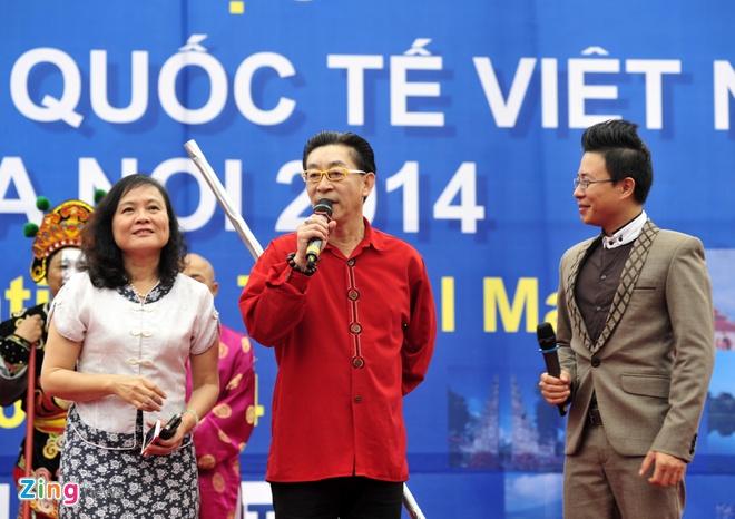 Luc Tieu Linh Dong mua vo trong ngay mua Ha Noi hinh anh 1