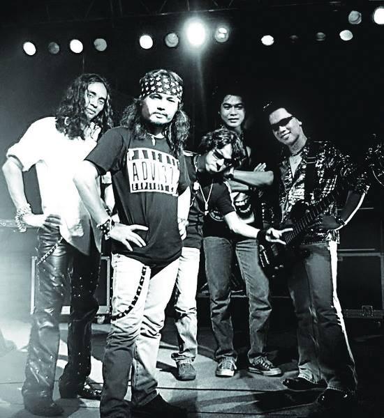 'Tran Lap co thua ban linh de chien thang' hinh anh 1 Những thành viên đầu tiên của rock band Bức Tường. Ảnh: FB Tràn Nhật Hoàng.