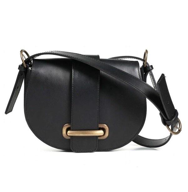 Nhung kieu tui xach tieu bieu nhat hinh anh 15 Túi Saddle: thiết kế túi hình chữ U, được lấy cảm hứng từ những chiếc túi đeo trên yên ngựa thời xưa.