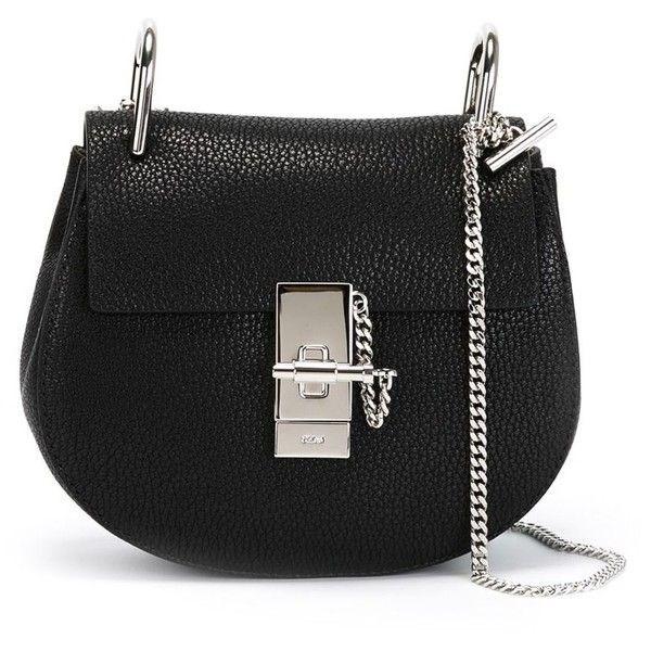 Nhung kieu tui xach tieu bieu nhat hinh anh 6 Túi Crossbody: là túi đeo chéo phom nhỏ nhắn, vừa phải, phù hợp với những cô nàng có phong cách năng động.