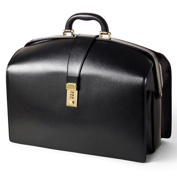 Nhung kieu tui xach tieu bieu nhat hinh anh 7 Túi Doctor: thiết kế túi này lấy cảm hứng từ chiếc túi đựng dụng cụ của bác sỹ. Túi có phom cứng cáp với đáy túi phẳng.