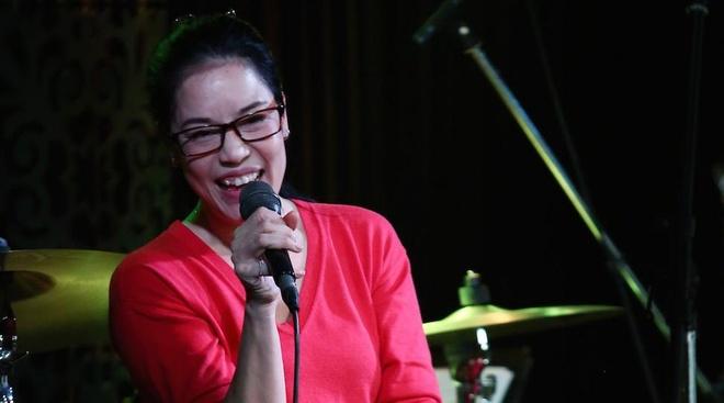 Thu Phuong tro ve Viet Nam sau lum xum The Voice hinh anh