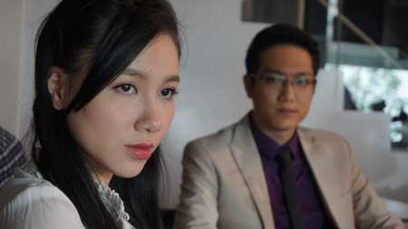 9 guong mat an tuong cua phim truyen hinh Viet 2015 hinh anh 3 Minh Hà đảm nhận vai Trinh phải trải qua nhiều thăng trầm trong hôn nhân ở phim Hôn nhân trong ngõ hẹp. Ảnh: Chụp màn hình