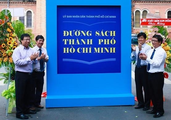 Giai thuong Sach Quoc gia thay the Giai thuong Sach Viet Nam hinh anh