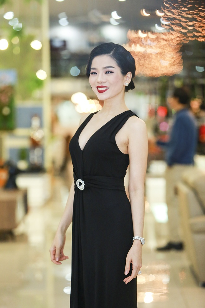 Ha Ho - Ky Duyen mac goi cam giua mua dong Ha Noi hinh anh 5