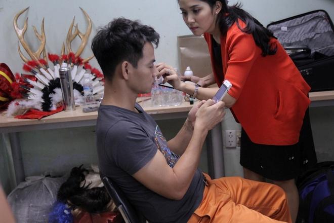 Huynh Anh toi hau truong show On gioi co vu ban gai hinh anh 10
