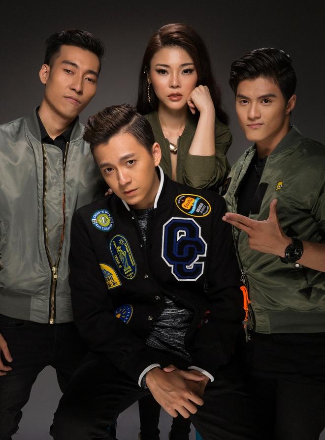 Ngo Kien Huy bo show, tu choi phim de thu suc nhac dien tu hinh anh 1 Team của Ngô Kiến Huy ở The Remix gồm Nguyễn Phúc Thiện, vũ công Lâm Vinh Hải và DJ Summer Huỳnh.