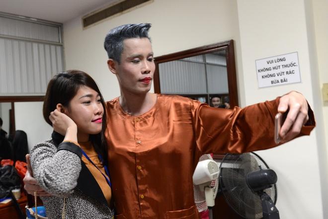 Thanh Thanh Hien di dien cung chong moi cuoi va con gai hinh anh 5