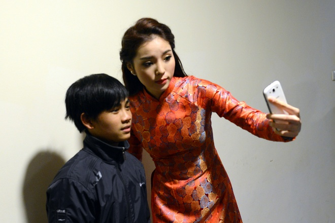 Thanh Thanh Hien di dien cung chong moi cuoi va con gai hinh anh 9