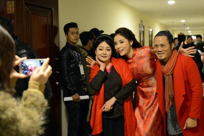 Thanh Thanh Hien di dien cung chong moi cuoi va con gai hinh anh 10