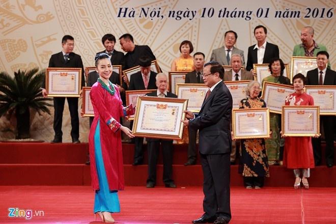 Bo me la 'o-sin' Linh Nga tin tuong nhat hinh anh 1