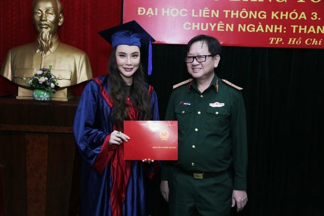Ho Quynh Huong tro thanh giang vien truong quan doi hinh anh 1