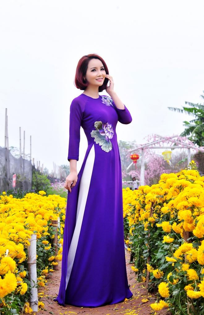 Mai Thu Huyen goi y cach dien ao dai ngay xuan hinh anh 3