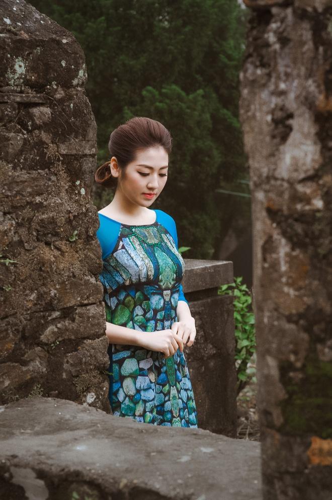Ngoc Han - Tu Anh thuot tha ao dai trong troi gio ret hinh anh 7