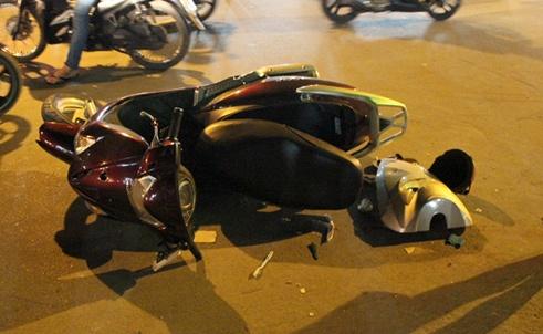 Một trong hai xe máy còn lại bị hư hỏng.