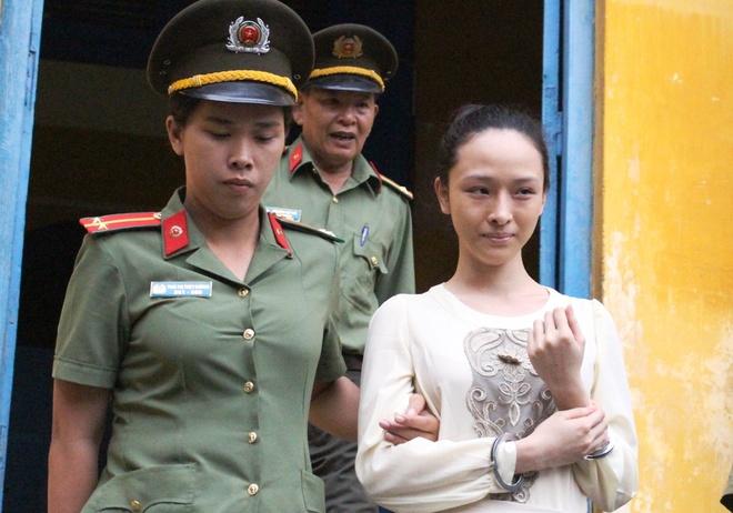 Truong Ho Phuong Nga anh 1