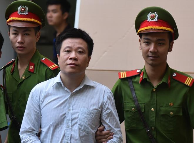 Ha Van Tham xin tang nang toi de giam nhe cho nhan vien Oceanbank hinh anh