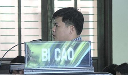 Sep lon 'bat tay' giang ho: Tien - tinh xu bang dao sung hinh anh 4  Bị cáo Phạm Viết Văn - nguyên giám đốc chi nhánh Công ty Cosveco