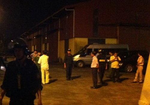 Khoi to 10 bi can trong bang xa hoi den Minh 'sam' hinh anh 1 Lực lượng cảnh sát khám xét tại Công ty TNHH Đại An.