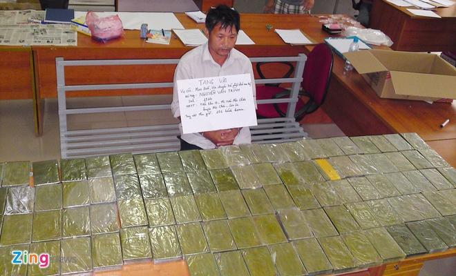 Ngày 25/8, Phòng cảnh sát điều tra tội phạm về ma túy (Công an Hà Nội) và Công an quận Long Biên đã thông báo kết quả điều tra, khám phá chuyên án, triệt xóa đường dây Mua bán, vận chuyển trái phép chất ma túy số lượng lớn nhất từ trước đến nay trên địa bàn Hà Nội, thu giữ 106 bánh heroin.  Đường dây này được cho là hoạt động trên tuyến Sơn La - Hà Nội - Lạng Sơn - Quảng Ninh do Nguyễn Văn Trình (49 tuổi, ở tiểu khu 10, thị trấn Mộc Châu, Sơn La) cầm đầu.