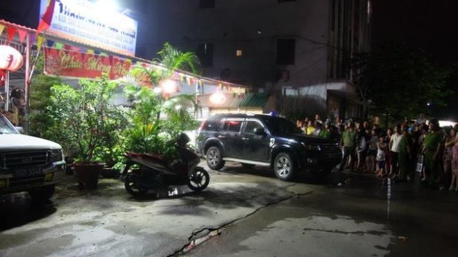 """Hiện trường vụ khám xét tại Công ty TNHH Thành Hưng Bắc Ninh, một trong những nơi ở của Nguyễn Ngọc Minh (Minh """"sâm"""") - kẻ cầm đầu tội phạm băng nhóm hoạt động có tổ chức, vào tối 13-8-2014"""