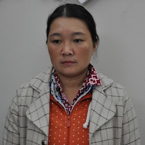 Người vợ nhận tội sát hại chồng tại cơ quan công an.