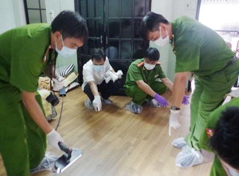 Manh moi vu tham an 6 nguoi chet o Binh Phuoc hinh anh 2 Nhiều phương tiện, máy móc thu thập chứng cứ được mang tới hiện trường.