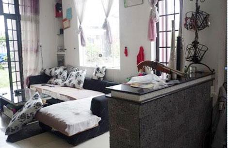 Manh moi vu tham an 6 nguoi chet o Binh Phuoc hinh anh 1 Căn phòng khách trong ngôi biệt thự của gia đình ông Mỹ. Ảnh: CAND.
