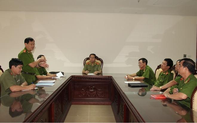Bộ trưởng Công an họp chỉ đạo công tác điều tra, truy bắt hung thủ gây thảm án
