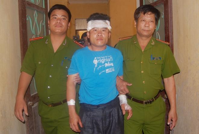 Nhung canh sat hy sinh khi bat toi pham ma tuy hinh anh 1 Tráng A Chư bị bắt quả tang vận chuyển 50 bánh heroin. Ảnh: Việt Đức.