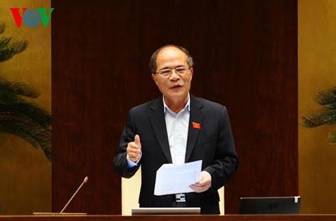 Ong Nguyen Sinh Hung trao giai bao chi 70 nam Quoc hoi VN hinh anh 1 Chủ tịch Quốc hội Nguyễn Sinh Hùng.