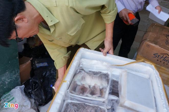 Ben trong container chua thuc pham '3 khong' co gi? hinh anh 8