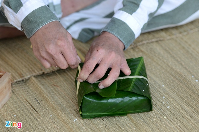 Noi goi banh chung cho 2.400 pham nhan an Tet hinh anh 10