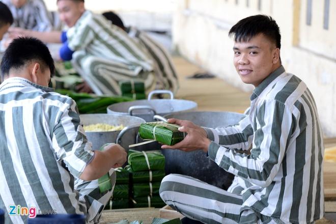 Noi goi banh chung cho 2.400 pham nhan an Tet hinh anh 11