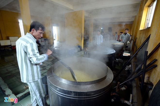 Noi goi banh chung cho 2.400 pham nhan an Tet hinh anh 3