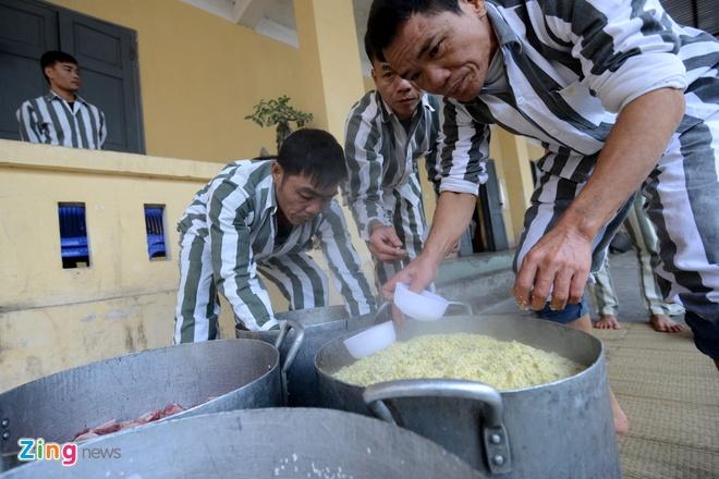 Noi goi banh chung cho 2.400 pham nhan an Tet hinh anh 7