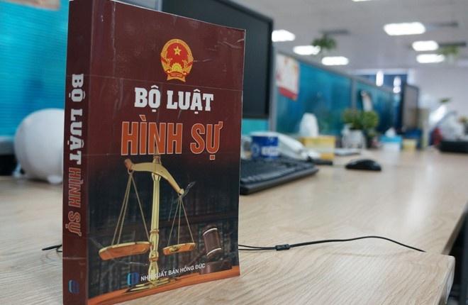 Bo Tu phap len tieng viec hinh su hoa kinh doanh tren mang hinh anh