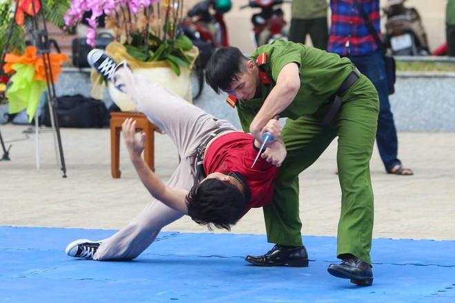 'Qua dam thep' huong Nam hinh anh