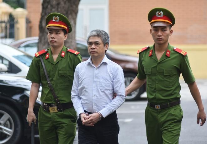 Nguyen Xuan Son met moi den toa sau ngay bi de nghi an tu hinh anh