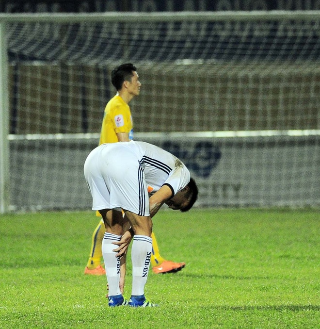 Vong 6 V.League: HLV Le Thuy Hai thang dam hoc tro Huynh Duc hinh anh 5