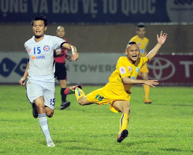 Vong 6 V.League: HLV Le Thuy Hai thang dam hoc tro Huynh Duc hinh anh 9