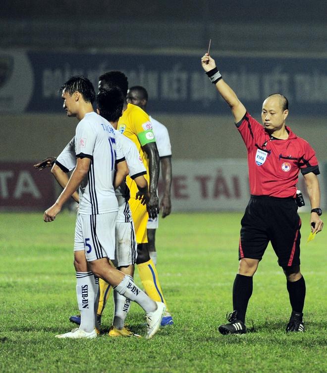 Vong 6 V.League: HLV Le Thuy Hai thang dam hoc tro Huynh Duc hinh anh 10