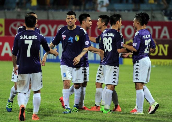 Vong 9 V.League: Dai chien Thanh Nghe, thap lua thu do hinh anh 3