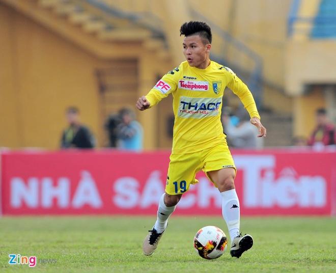 Tuyen thu Viet Nam bat nhip cham o V.League 2017 hinh anh 2