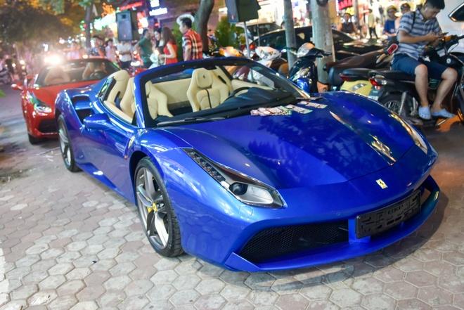 Ferrari 488 Spider dau tien Viet Nam xuong pho hinh anh