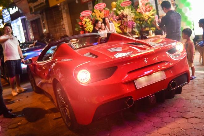 Ferrari 488 Spider dau tien Viet Nam xuong pho hinh anh 4