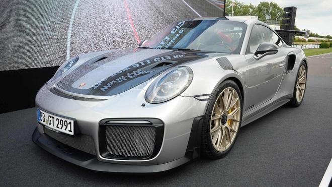 Porsche 911 GT2 RS 2018 - chiec 911 manh me nhat lich su hinh anh