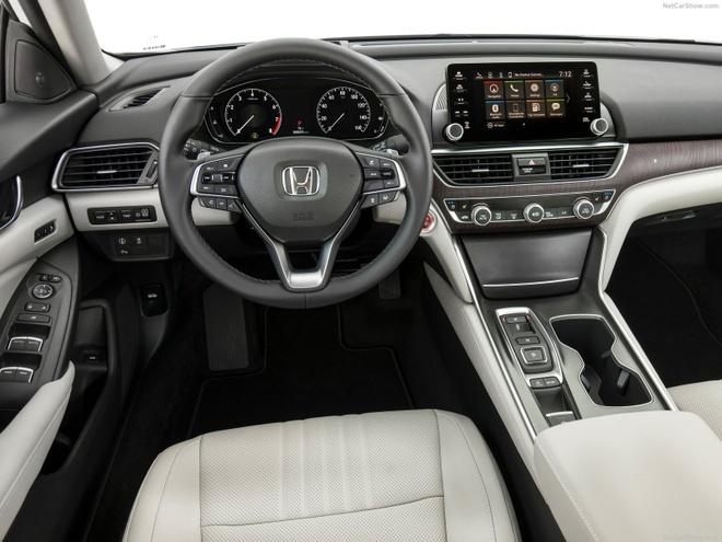 Honda Accord 2018 quyet dau Toyota Camry moi hinh anh 2
