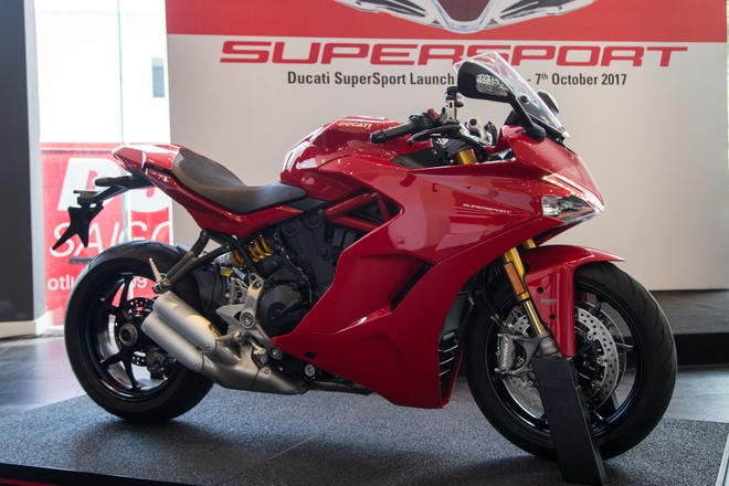 Anh chi tiet Ducati SuperSport vua xuat hien tai VN hinh anh